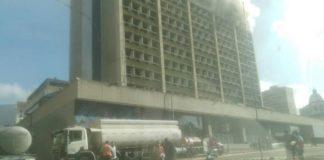 Se incendia Ministerio de Educación. Foto cortesía Globovisión