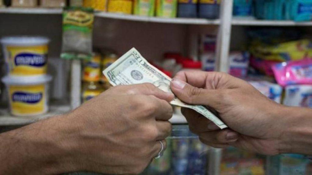 Merideños denuncian que comerciantes no dan cambio al recibir dólares