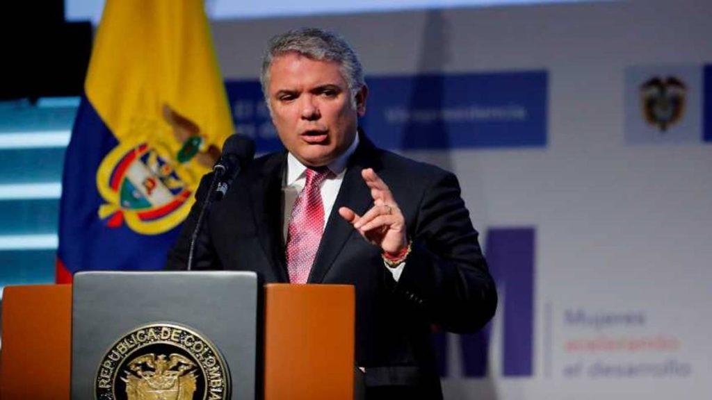 Duque dice que no teme a delincuentes tras amenazas de Santrich