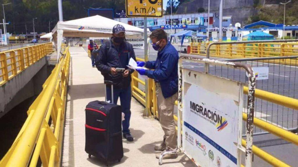 Extienden cierre de pasos fronterizos por tres meses más