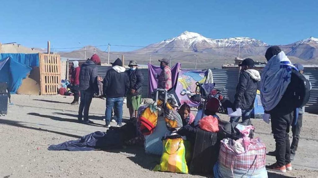 Chile militariza frontera para frenar ingreso de migrantes venezolanos