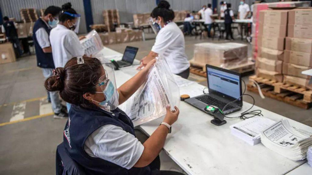Perú suspendió la votación de sus ciudadanos en Venezuela