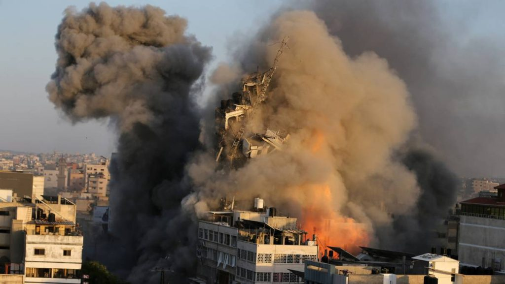 Hamás lanzó 130 cohetes contra Israel